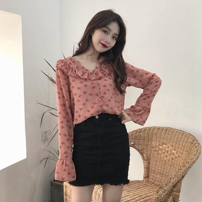 2018春装新款韩版女装碎花雪纺衫女长袖喇叭袖夏装V领荷叶边上衣
