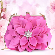 Chain Baggage Girl 2019 New Flower Baggage Girl Slant Baggage Large Capacity Stereo Flower Baggage Fashion Drilling Handbag