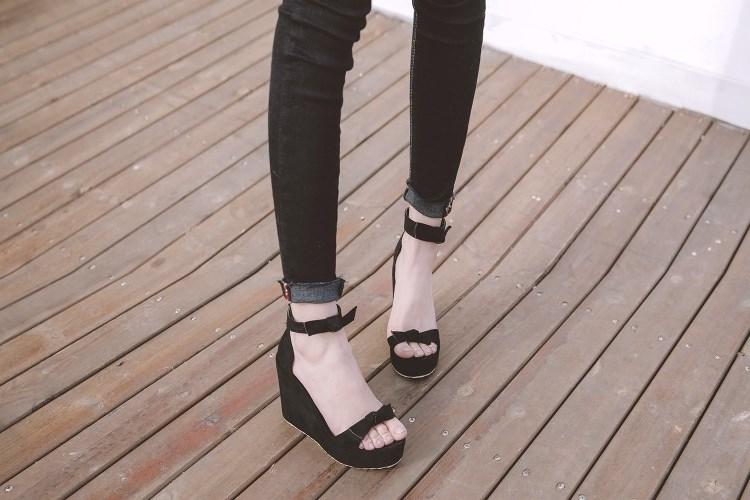 蝴蝶性感粉色灰色红色女鞋高跟坡跟凉鞋大码凉鞋 40 41 42 43 HSY