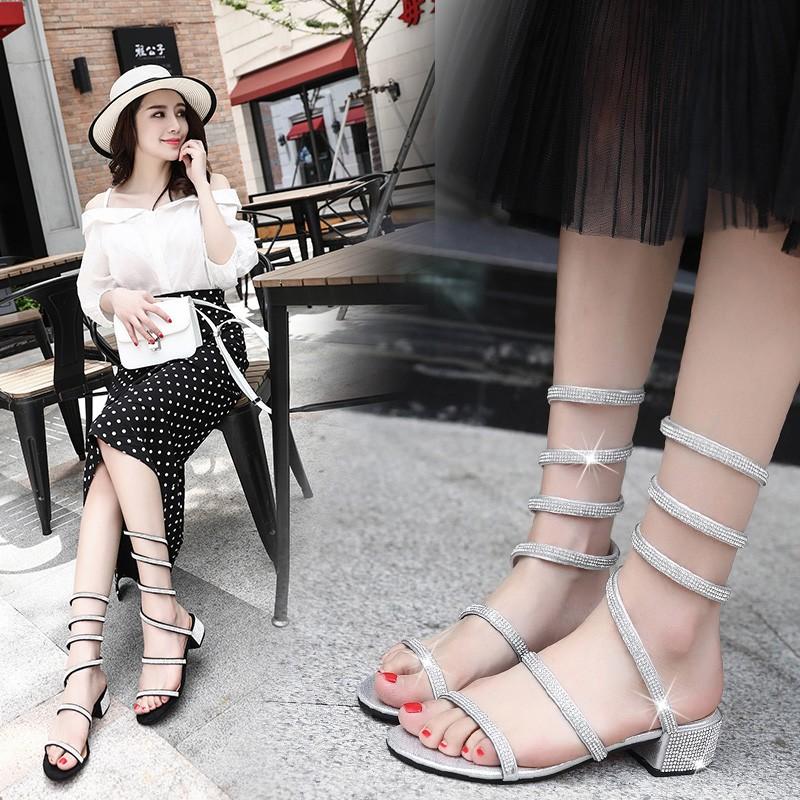 凉鞋女夏季2018新款韩版粗跟水钻一字带女士百搭罗马中跟时尚女鞋
