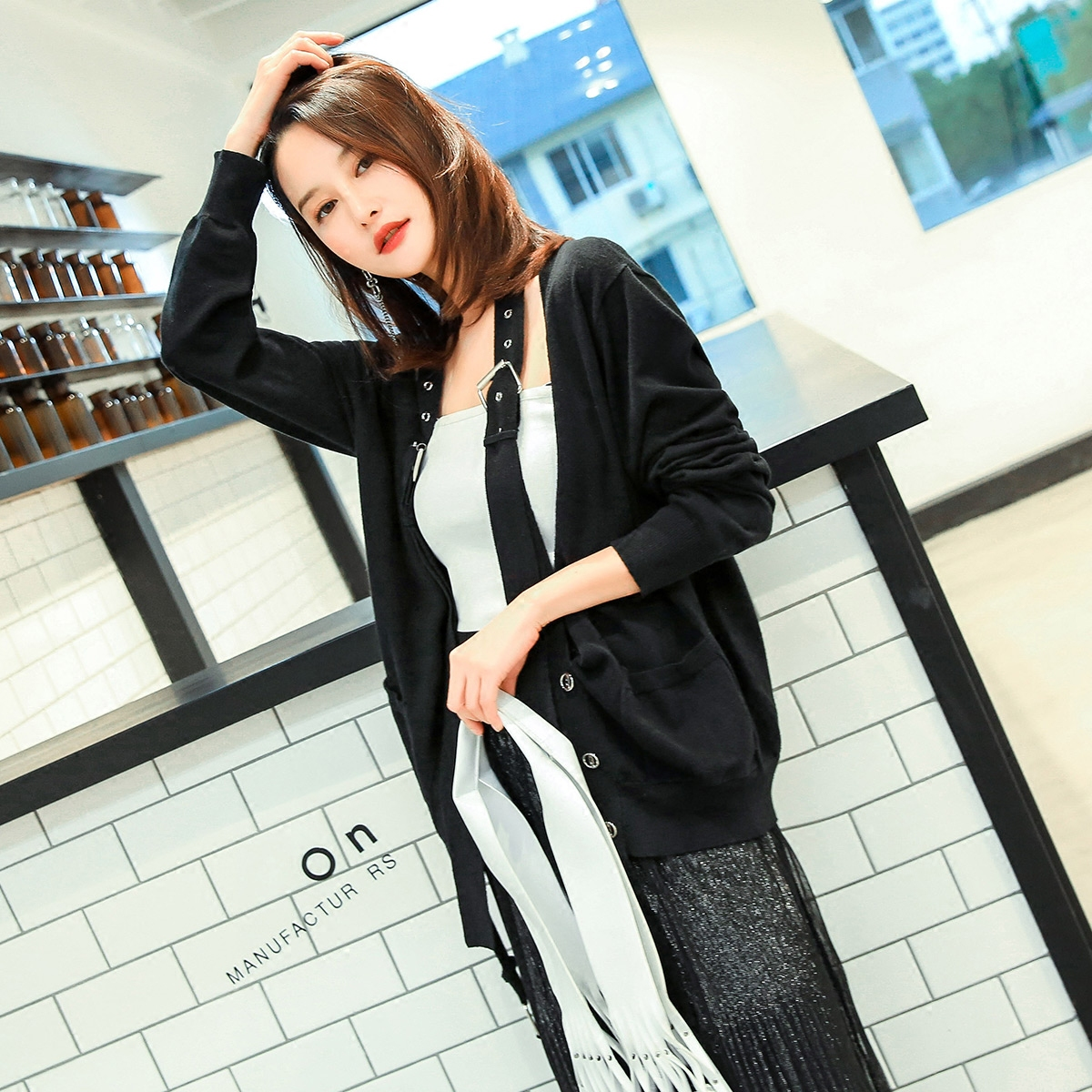 七格格针织开衫女装春韩版潮v领挂脖宽松百搭长袖黑色毛衣女外套