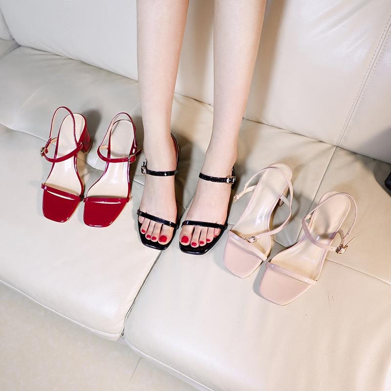 鱼嘴漆皮鞋鞋