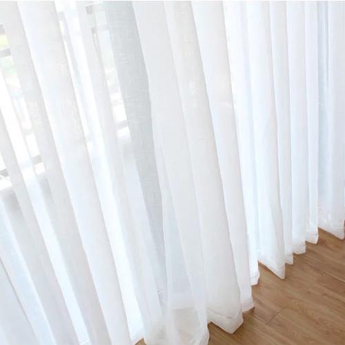 客厅白色纱帘