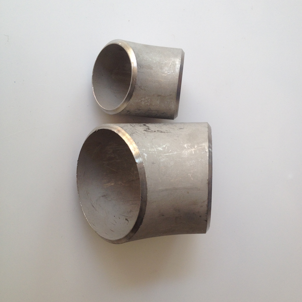 304不锈钢45度焊接弯头18冲压焊接弯头57不锈钢弯头45度对焊弯头