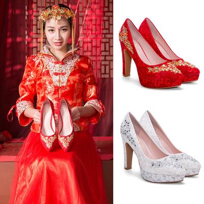 风红色女鞋