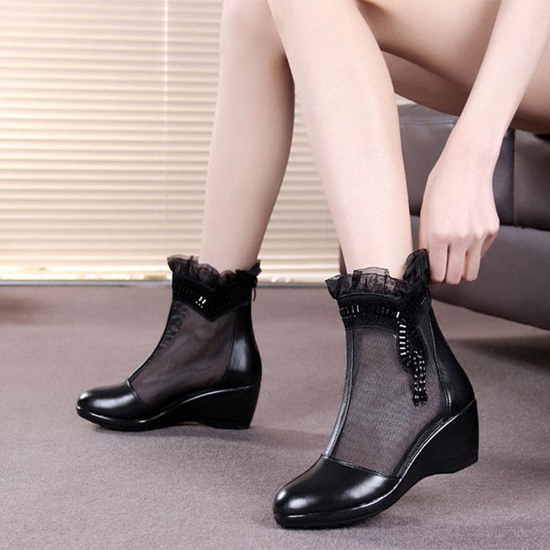 女士坡跟单靴