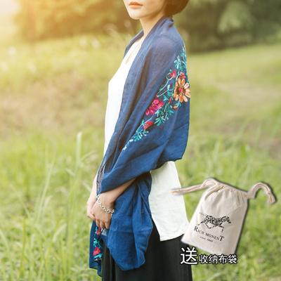 刺绣花朵丝巾