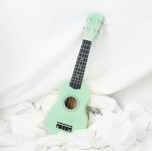 包邮 薄荷绿小清新尤克里里乌克丽丽初学者儿童入门可弹小吉他摆饰