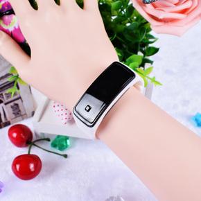 9.9包邮  LED触控夜光防水硅胶男女情侣学生儿童手环手表 电子表