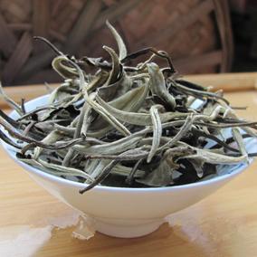 山夫茶园 月光白女儿茶普洱茶生茶散茶美人茶 500g克包邮