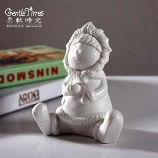 北欧式创意陶瓷娃娃摆件 现代客厅家居装饰工艺品圣诞节生日礼物