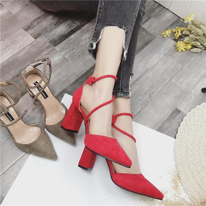 高跟鞋_韩版粗跟一字扣尖头高跟鞋5元优惠券