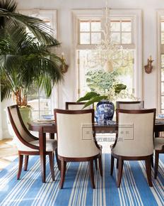 北欧原木质小型长条形纯实木家庭品牌餐桌椅组合 地中海家具定制