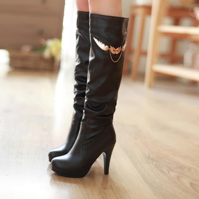 高筒靴子美女