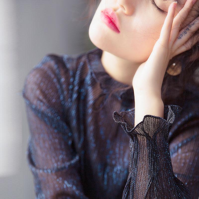 黑色荷叶衬衫