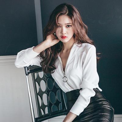 韩版宽松显瘦性感V领长袖白色女衬衫气质优雅上衣有女人味的衣服