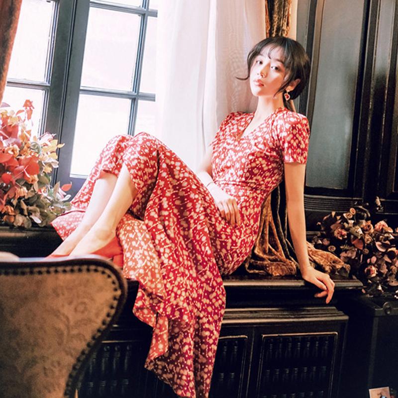 2019秋季超仙女法式桔梗复古过膝长裙森系甜美法国小众碎花连衣裙