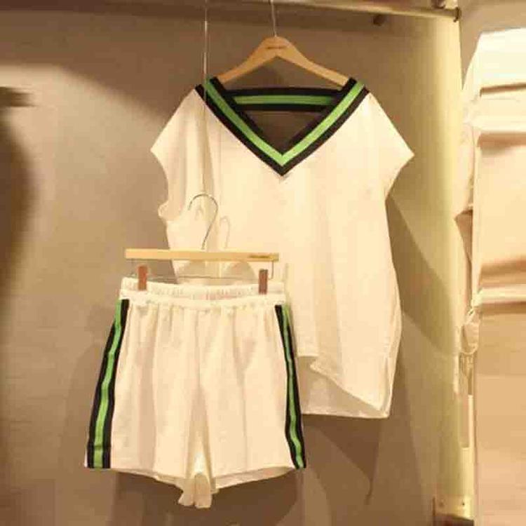 韩国东大门2019新款韩版时尚女V领短袖T恤女运动风阔腿短裤两件套