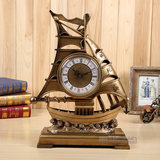 The new smooth smooth living room seat clock European-style sailing class clock fashion home ornaments watch field table clock