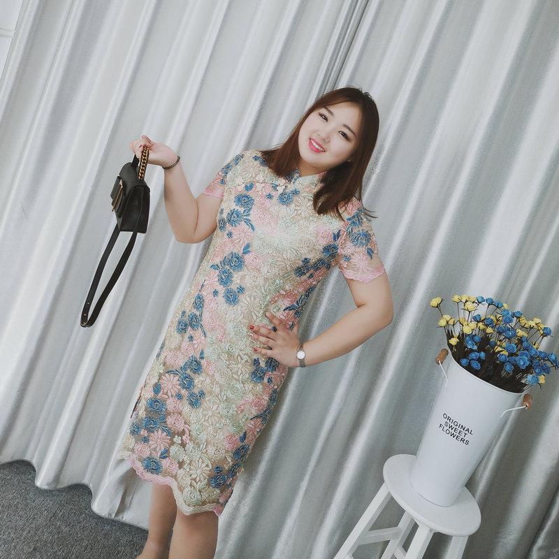 大码女装改良旗袍胖mm夏装2018新款200斤加肥显瘦重工刺绣连衣裙
