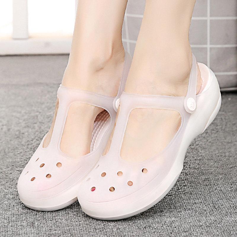 洞洞款女鞋