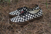 白菜 VANS Authentic  黑白格生胶底帆布款滑板情侣鞋VN0004MKIBB