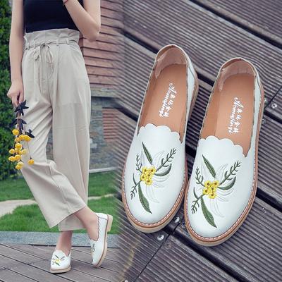 2017夏季新款刺绣圆头单鞋白色小皮鞋懒人平底防滑低跟休闲鞋女鞋