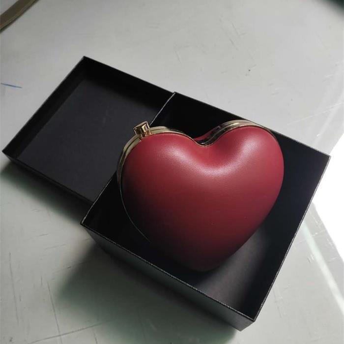 2019礼盒小包酒红色爱心包包可爱迷你桃心形单肩斜跨chic链条女包图片