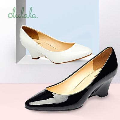 Daphne/达芙妮 春坡跟单鞋杜拉拉时尚高跟圆头浅口舒适单鞋子
