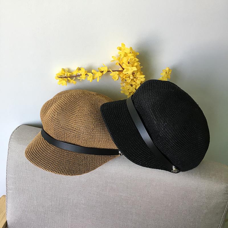 黑色帽子女夏天出游