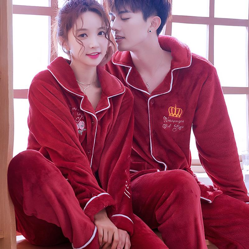 法兰绒红色睡衣