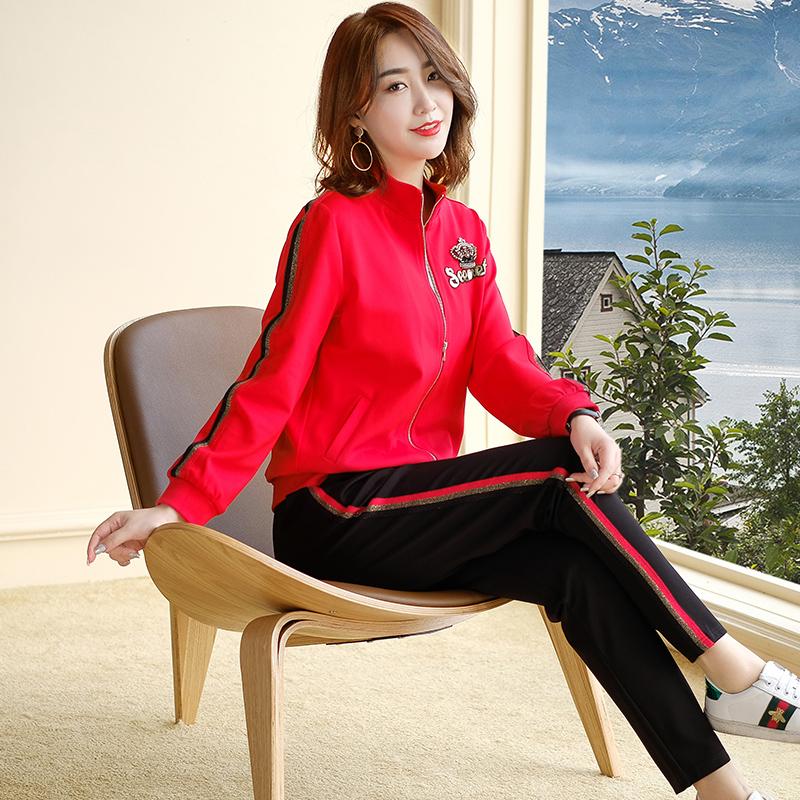 胖女人大码女装套装2019秋装新款红色微胖MM休闲运动贵夫人两件套