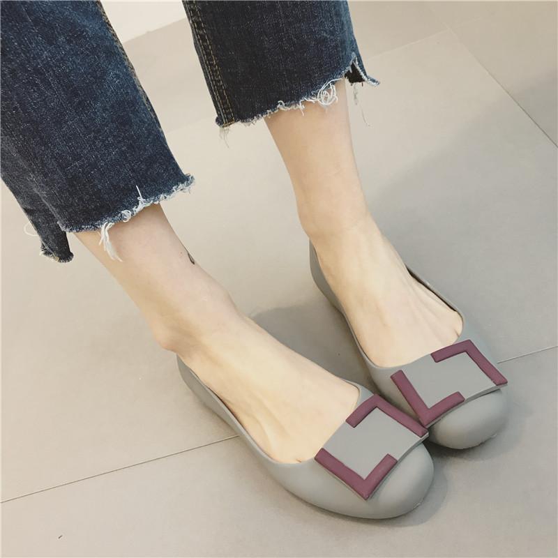 单鞋圆头平跟套脚浅口