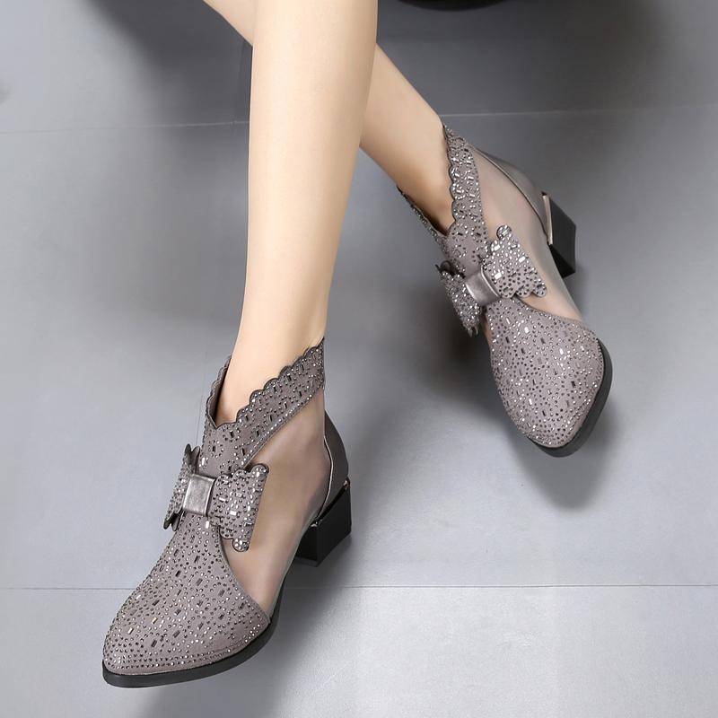 新款中跟短筒靴子