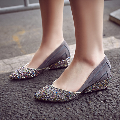新款春秋单鞋坡跟女鞋韩版真皮中跟鞋百搭时尚亮片浅口鞋尖头女鞋