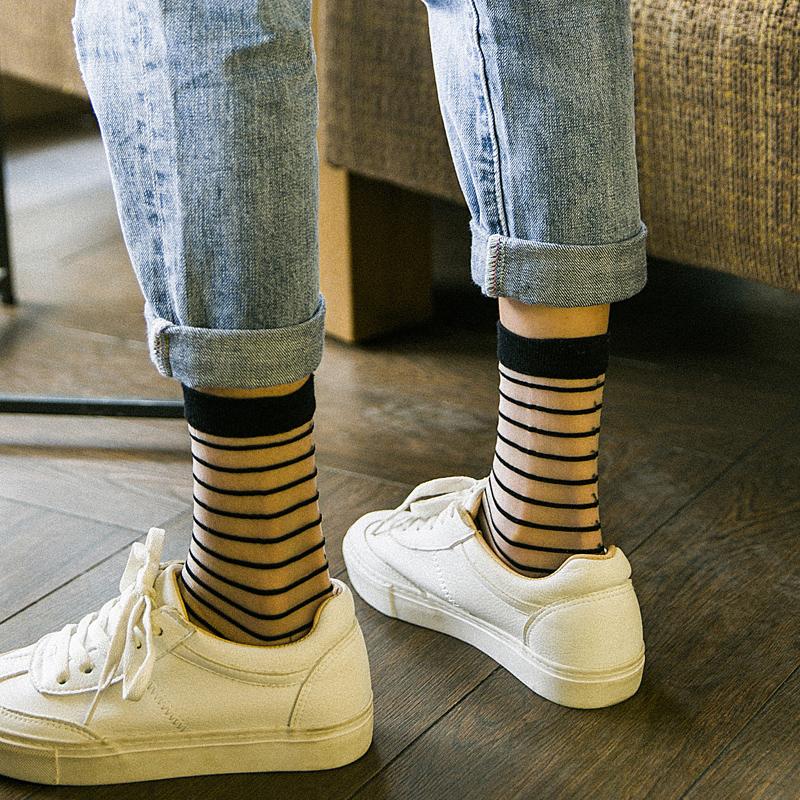 格子黑丝袜