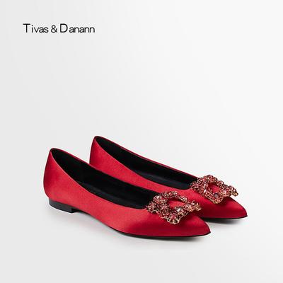 红色婚鞋平底鞋女2018新款孕妇新娘鞋水钻方扣女鞋尖头平跟单鞋女