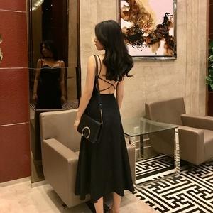 图片:港味chic交叉绑带露背中长款女裙夏新款优雅吊带抹胸裙气质连衣裙