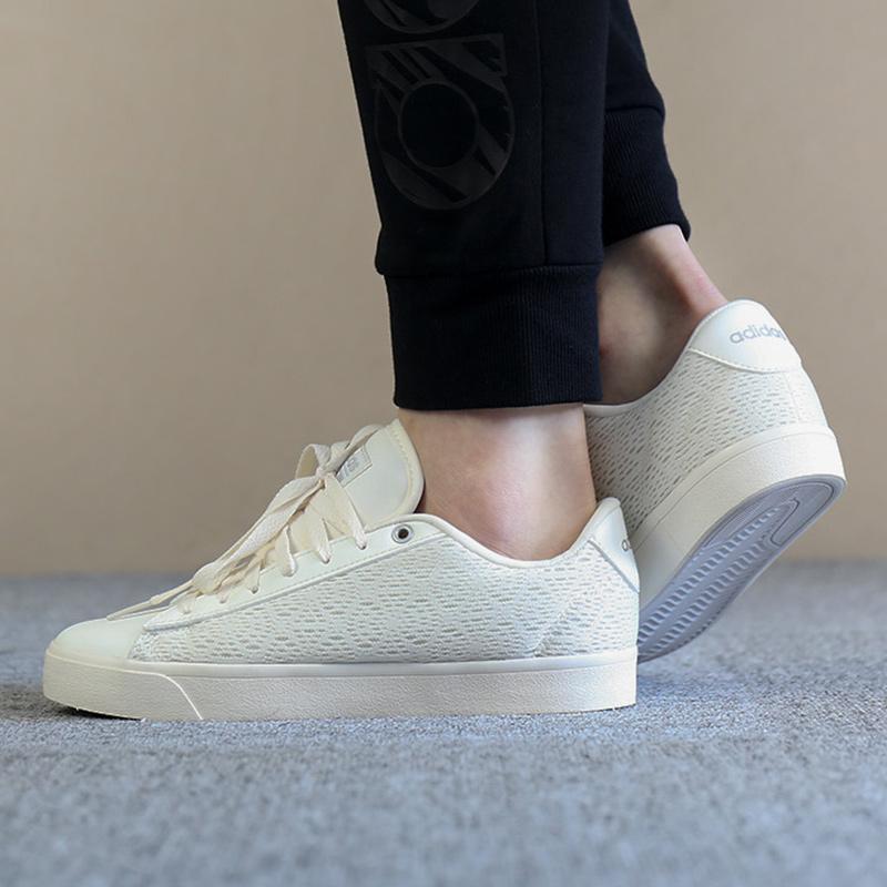 阿迪达斯NEO女鞋2018秋季新款防滑低帮运动耐磨板鞋篮球鞋DB1738