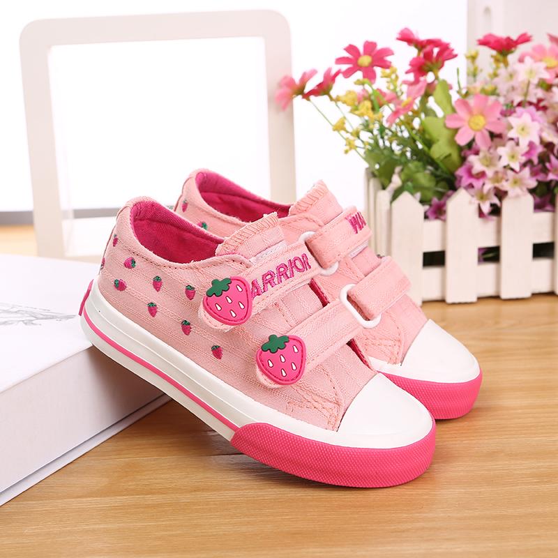 女孩帆布鞋