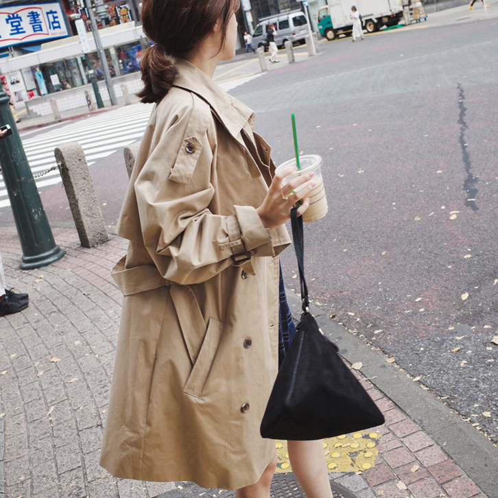 2018 new autumn windbreaker female long section Korean version of the tide loose casual thin section spring