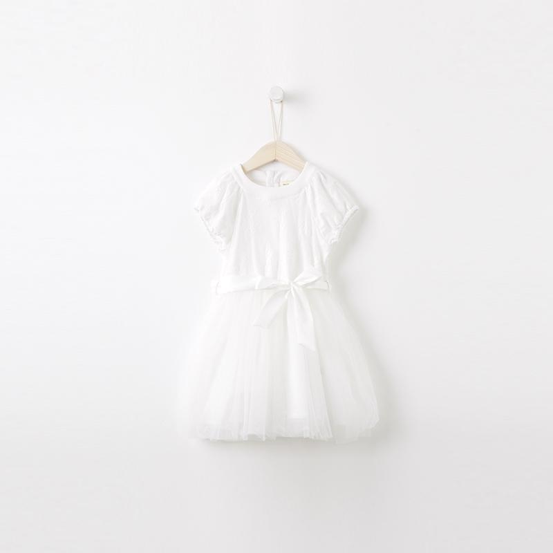 优雅白色公主裙