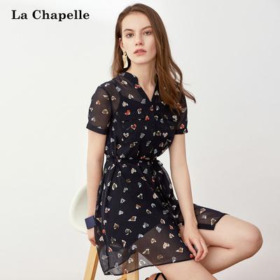 拉夏贝尔雪纺连衣裙女2018夏季新款显瘦黑色短裙子印花短袖衬衫裙