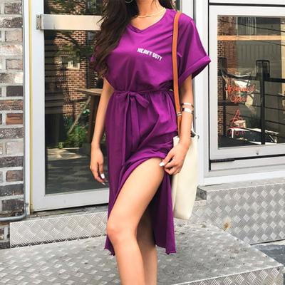 韩国代购 COMSO超赞欧美风性感开衩系腰带字母印花宽松连衣裙