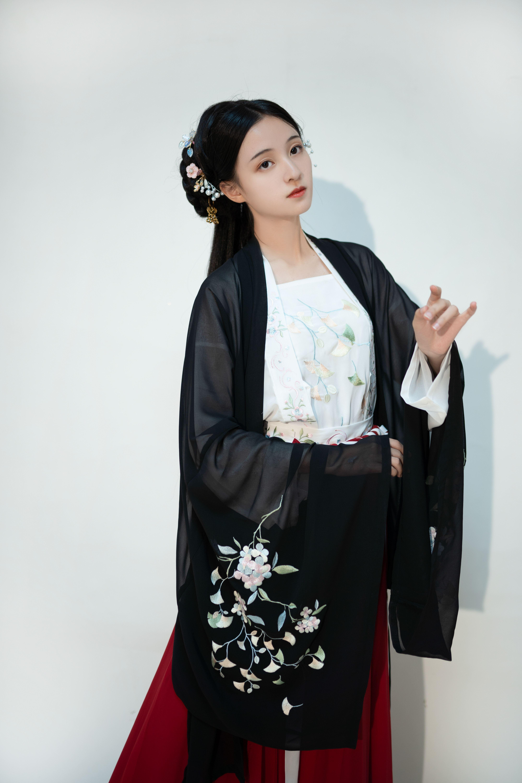 【暮雪阁】红黑—小银杏系列 大袖衫夏款日常对襟吊带齐腰裙汉服