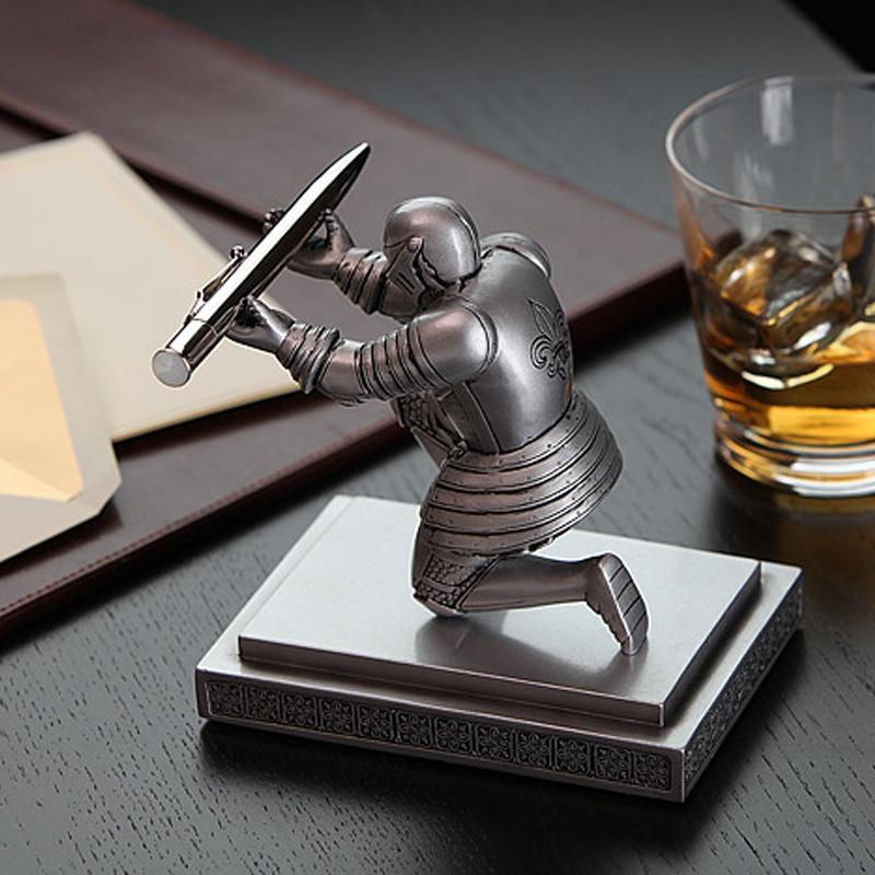 创意礼品骑士笔座 文具笔架 桌面精美摆件 新奇特学习用品