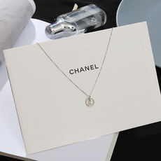 Ins clavicle chain female short neckband choker necklace cold wind pendant Sen series chic clavicle chain simple