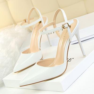 欧美夏季性感尖头漆皮红色高跟鞋中空凉鞋细跟浅口一字扣带女单鞋
