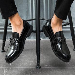 市场鞋档口货源一件代发休闲皮鞋男潮鞋漆皮亮面一脚蹬男鞋1318-A