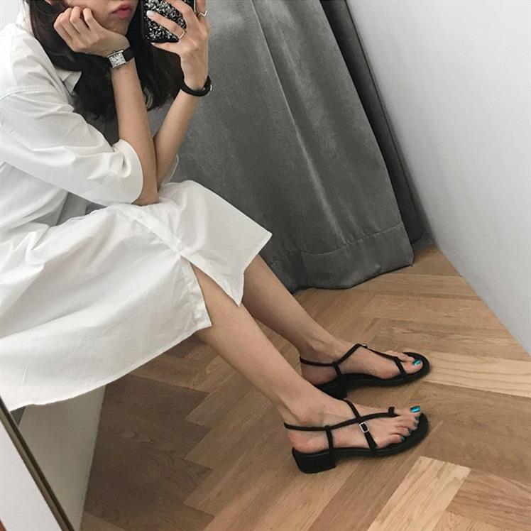 法式夹趾凉鞋女2019夏新款韩版百搭仙女风中粗跟旅游度假沙滩鞋女